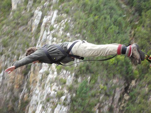 Saltar de Bungee Jump na África do Sul