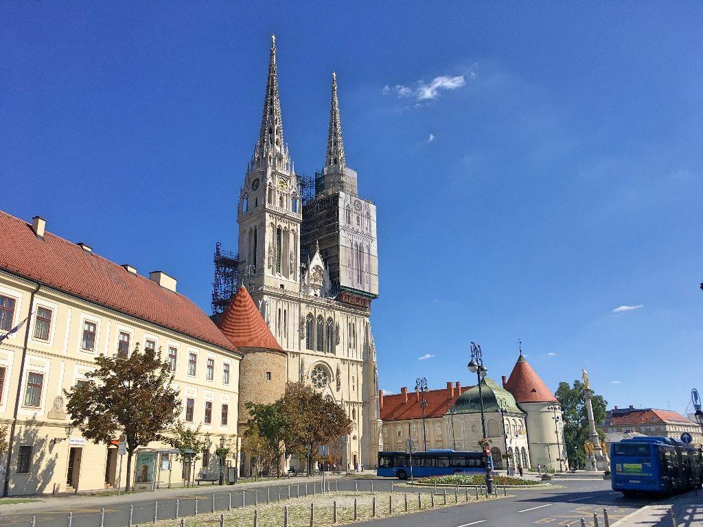 1_dia_em_zagreb_capital_da_croacia_Catedral_e_Praça_Kaptol