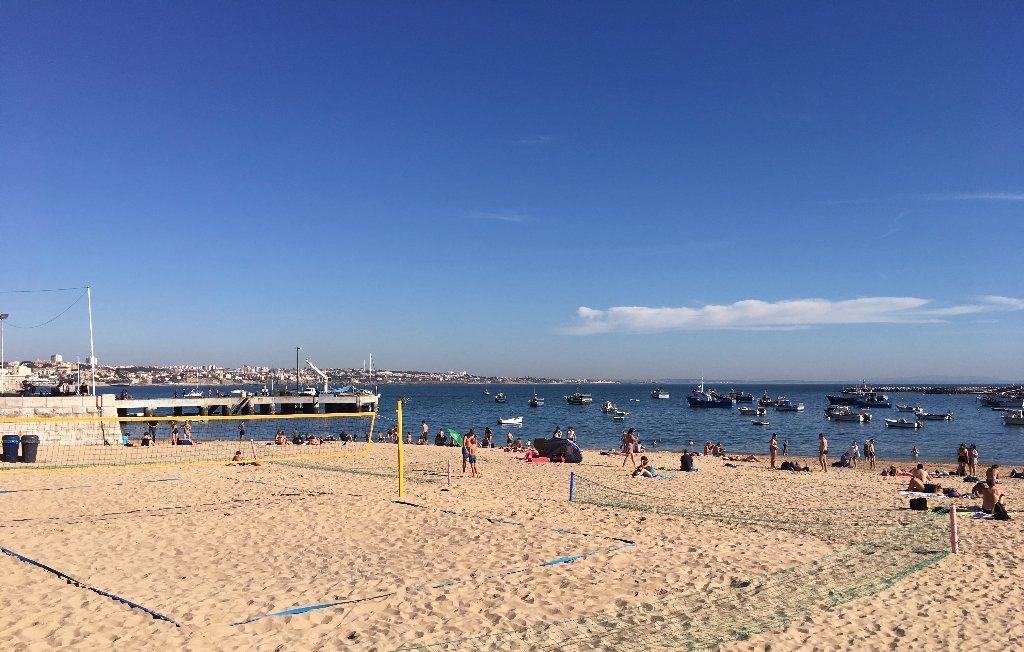 praia ribeira em cascais