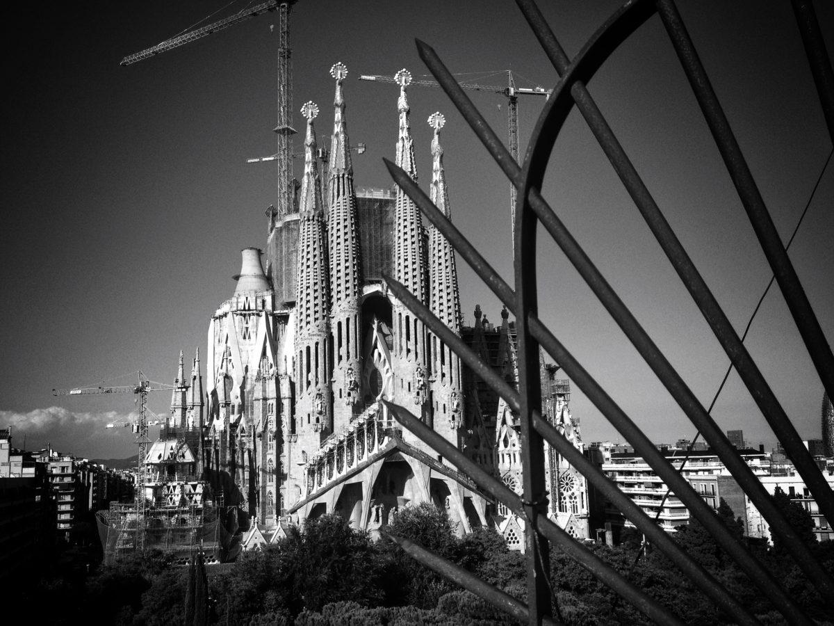 roteiro-gaudi-em-barcelona-sagrada-familia-fachada-paixao