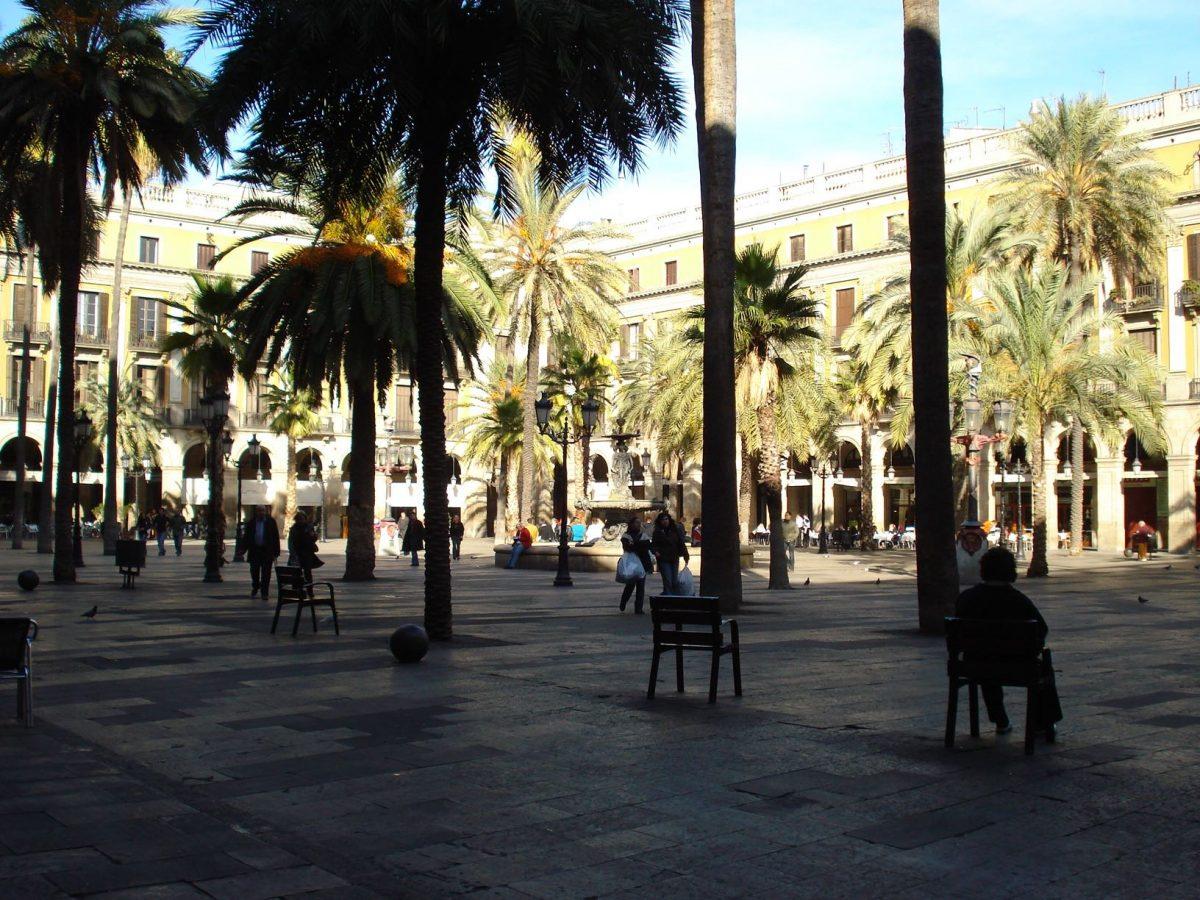 Roteiro_de_3_dias_em_Barcelona_Plaza_Reial