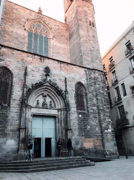 barcelona_em_5_lugares_diferentes_Barcelona_IgrejaGotico