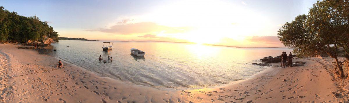 Por do sol na praia de Nacala-a-Velha